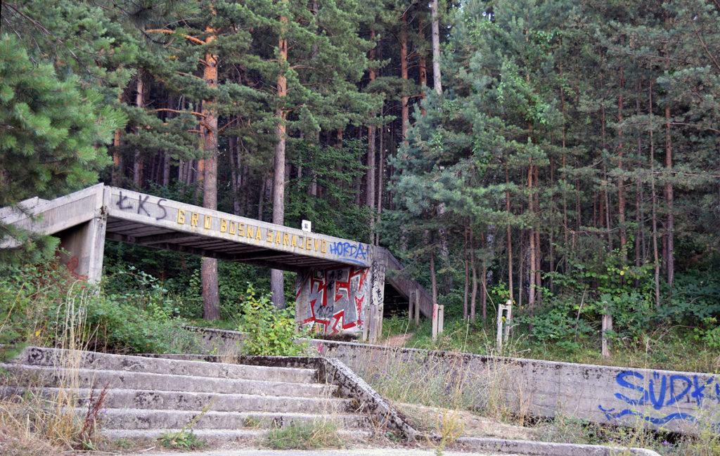 arrivo della pista di bob di Sarajevo e dono d'arte abbandonato