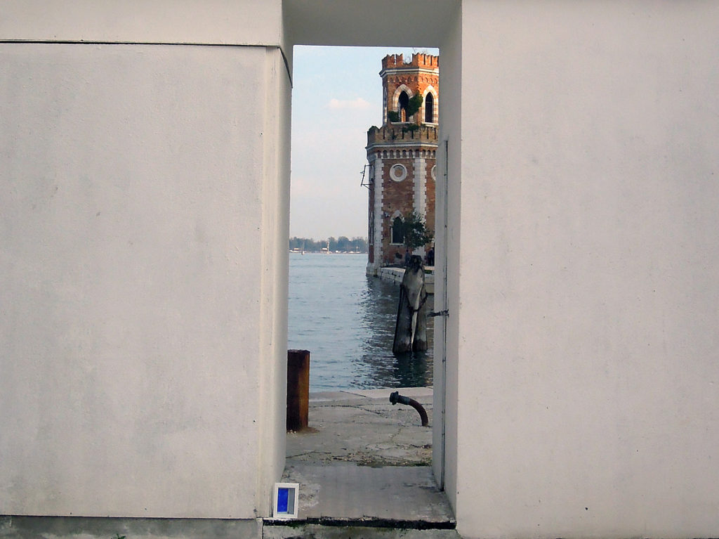 scorcio dell'arsenale e quadro a terra